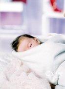 怎样发现新生儿听力异常?